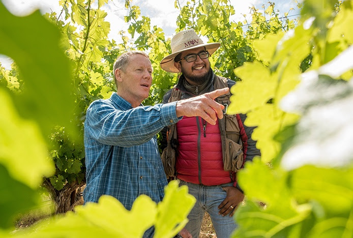 Randy Krag and MAV grad Aldo Cabrera (Wine Institute)